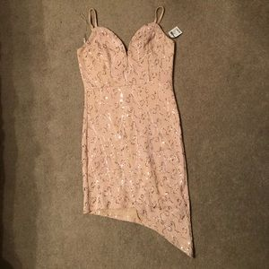 ❗️NEW❗️Cute lace and sequin asymmetrical dress